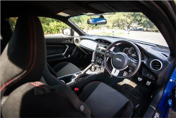 ดีไซน์ภายในของ Subaru BRZ