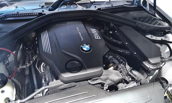 เครื่องยนต์ดีเซลเทอร์โบ BMW TwinPower Turbo ขนาด 2.0 ลิตร