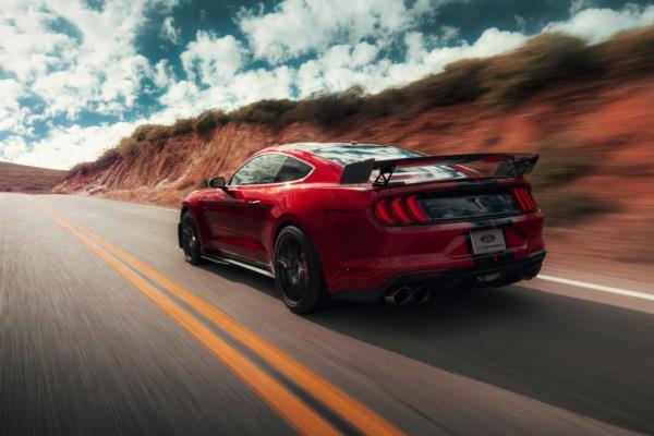 เส้นสายการออกแบบของ  Ford Shelby GT500
