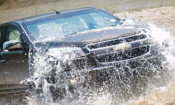 วิธีการขับรถในพื้นที่น้ำท่วม
