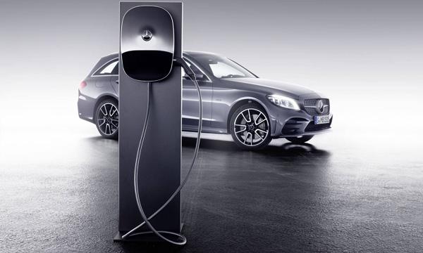 Mercedes-Benz C Class ขับเคลื่อนด้วยพลังงานไฟฟ้า Plug-in Hybrid