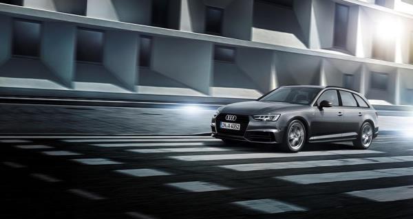 รถยนต์ซีดานคอมแพ็คระดับพรีเมียม Audi A4