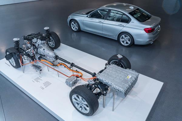 ระบบช่วงล่างของ BMW 3 Series