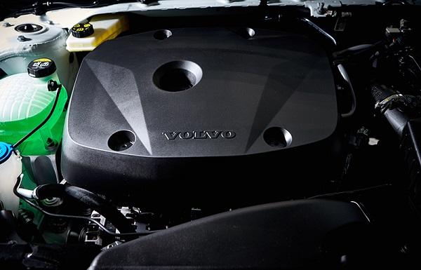 ขุมพลังความแรงระบบเบนซิน 4 สูบ ทวิน-เทอร์โบในVolvo XC40 2019