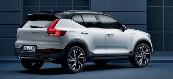 ด้านหลัง The new Volvo XC40 (2019)