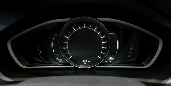 ดีไซน์ที่ผสานกันอย่างลงตัวกับการใช้งานใน Volvo V40 2019