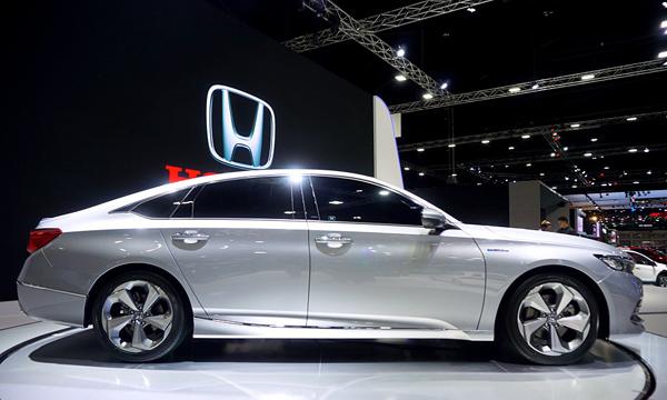ด้านข้าง Honda Accord 2019