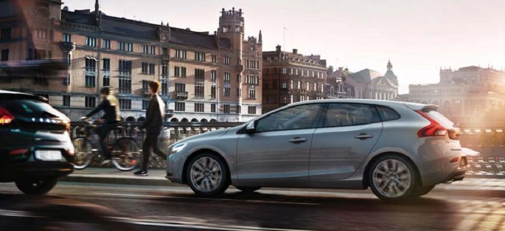 Volvo V40 2019 โดดเด่นด้วยรูปลักษณ์ภายนอกที่ดูเล็กระทัดรัด เพื่อเอาใจคนเมืองโดยเฉพาะ