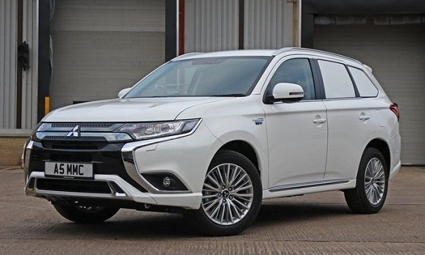 Mitsubishi Outlander PHEV Commercial 2019 ใหม่
