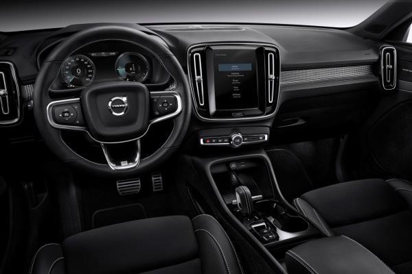 ดีไซน์ภายในห้องโดยสารของ Volvo XC40 2019
