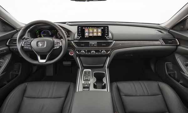 Honda Accord 2019 ได้รับการตกแต่งภายในด้วยสีทูโทนดำ-ครีม