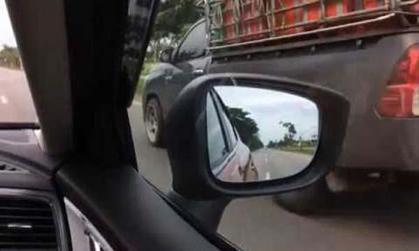 ระบบเตือนเมื่อมีรถในมุมอับสายตาแบบ ABSM
