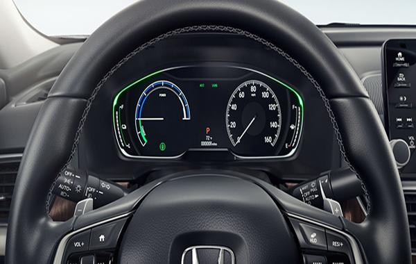 หน้าจอแสดงผลการขับขี่แบบ Head-Up-Display ขนาด 6 นิ้ว