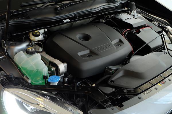 ตัวอย่างเครื่องยนต์ของ Volvo V40