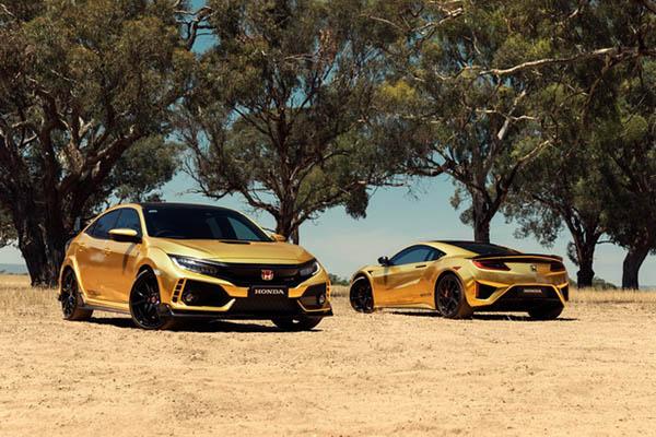 Honda Civic Type R และ Honda NSX super car ในแบบรุ่นพเิศษสีทอง