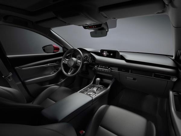 ดีไซน์ภายในห้องโดยสาร Mazda 3 2019