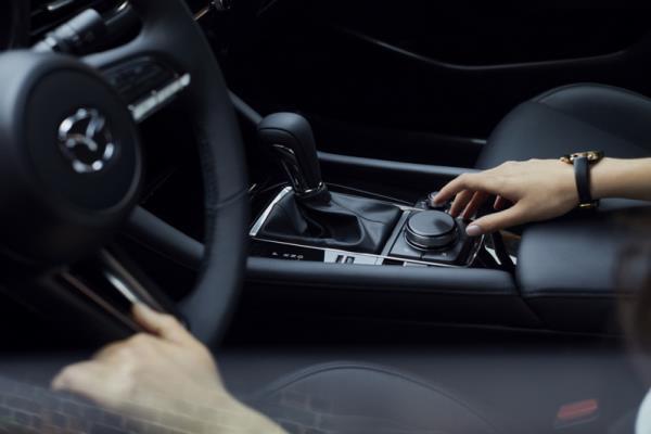 เทคโนโลยีและการใช้งานภายในรถ