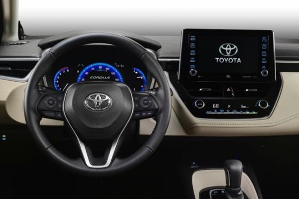 ดีไซน์ภายในห้องโดยสาร Toyota Corolla Altis 2019