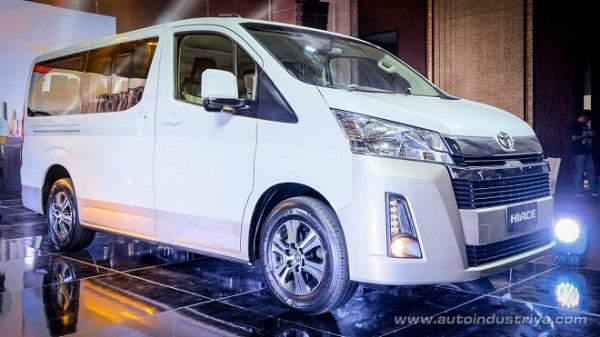 ด้านหน้า Toyota Hiace 2019