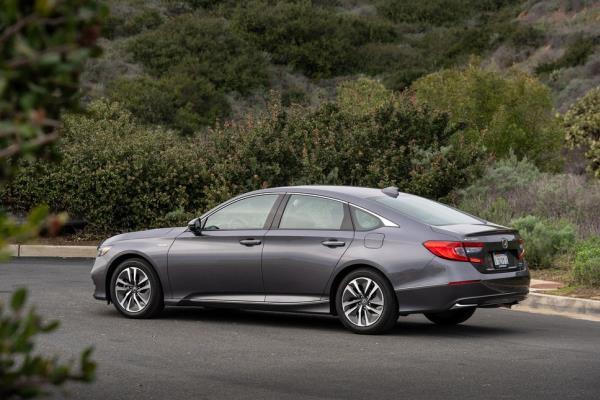 เส้นสายการออกแบบของ All-New Honda Accord