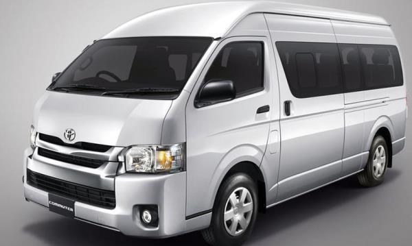 รถตู้ Toyota Commuter