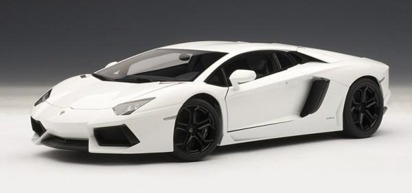 เลือกซื้อรถยนต์สีขาว
