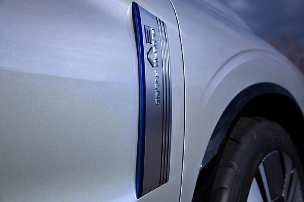 พร้อมกับระบบขับเคลื่อนสี่ล้อ Super All-Wheel Control (S-AWC)