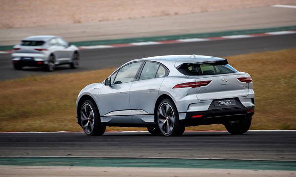 ด้านหลัง Jaguar I-PACE 2019