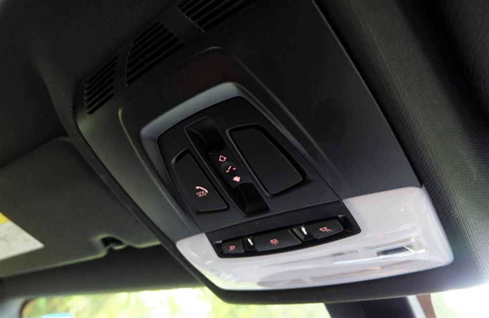 BMW X2 sDrive20i M Sport X 2019 ได้รับการติดตั้งชุดควบคุม iDrive ระบบสัมผัส พร้อมปุ่ม SOS แจ้งเหตุฉุกเฉินผ่านฟังก์ชั่น BMW Connected Drive
