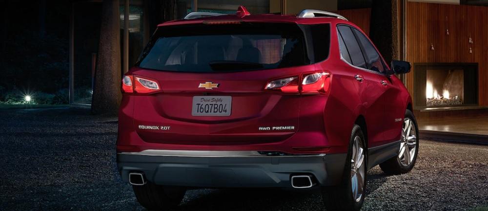 ด้านหลังรถดีไซน์ใหม่สวยหรู และยังมีขนาดพอดีกับด้านหน้าไม่กว้างหรือแคบจนเกินไป