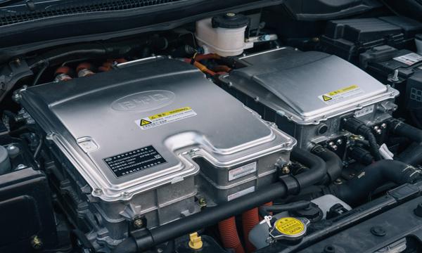 มอเตอร์ไฟฟ้าแบบ AC Synchronous Motor ให้กำลังสูงสุด 134 แรงม้า