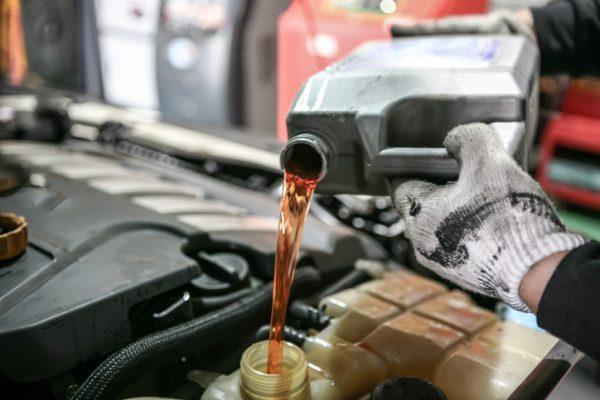 การเปลี่ยนน้ำมันเกียร์ให้รถทุกๆ 6 เดือน