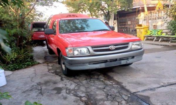 Toyota Hilux Tiger ปี 2001 สีแดง