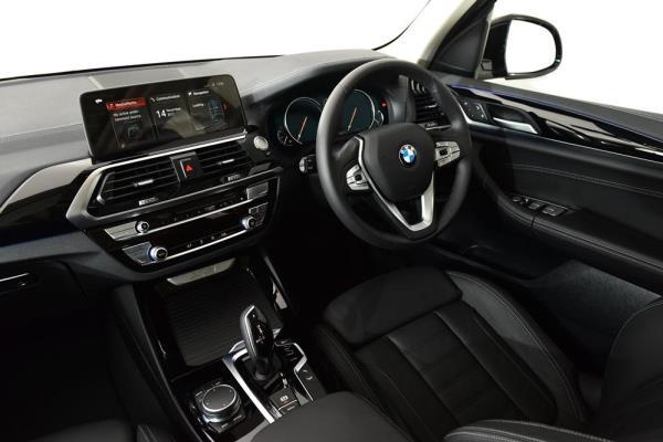 รีวิวดีไซน์ภายในของ BMW X3