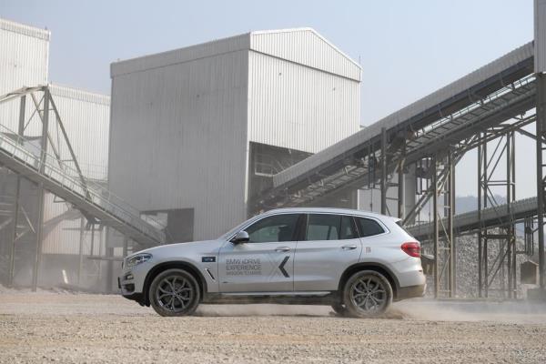 เส้นสายการออกแบบของ BMW X3