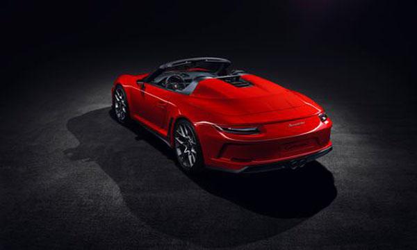 ด้านข้าง Porsche 911 Speedster 2019