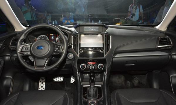 ภายในห้องโดยสาร Subaru Forester 2019