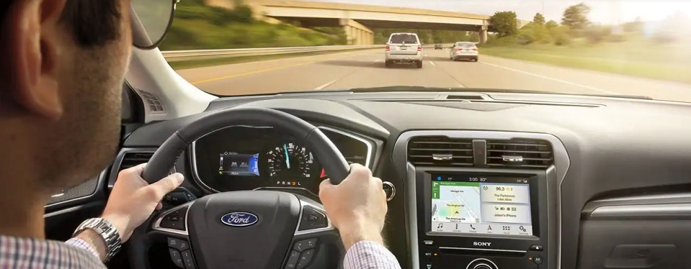 เทคโนโลยีช่วยการขับขี่พลังงานไฟฟ้า (EPAS) สามารถปรับความเร็วโดยอัตโนมัติ และยังมีการควบคุมการดริฟท์, การตรวจจับสภาพถนน ,  ระบบควบคุมแท๊บที่ใช้งานอยู่ใช้มอเตอร์ EPAS เพื่อลดการสั่นสะเทือนของพวงมาลัย