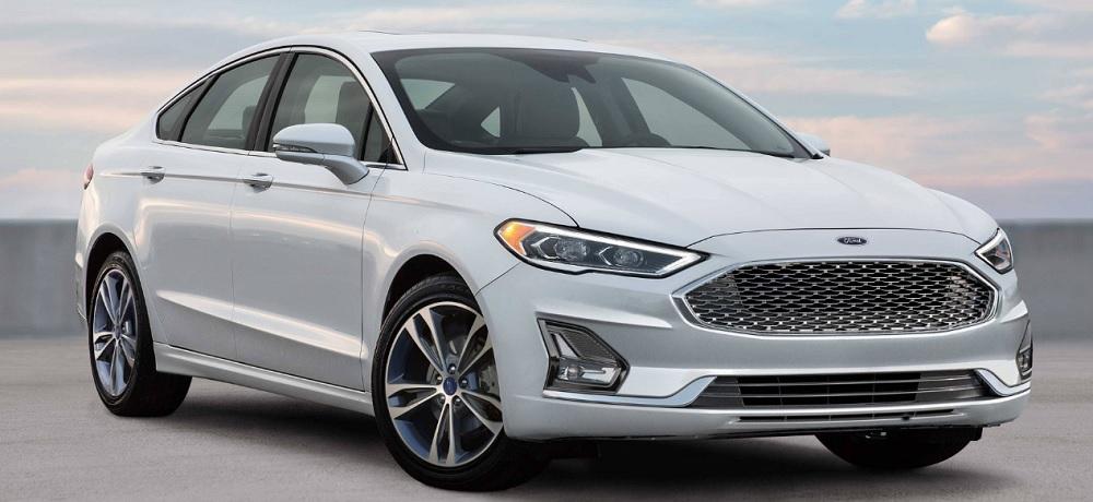 ราคา Ford FUSION 2019   เริ่มต้นที่ $ 22,840 - $ 40,015  ประมาณ 726,928.68 - 1,273,557.40 บาท  (ราคายังไม่รวมภาษีนำเข้า)