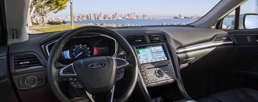Ford FUSION 2019  มาพร้อมกับอุปกรณ์และสิ่งอำนวยความสะดวกที่ทันสมัย