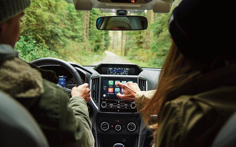 หน้าจอแสดงผลส่วนกลางระบบสัมผัสขนาด 8 นิ้ว ที่สามารถเชื่อมต่อได้ทั้งระบบ Apple CarPlay ™ , Android ™