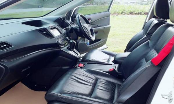 ภายใน Honda CR-V EL ปี 2013