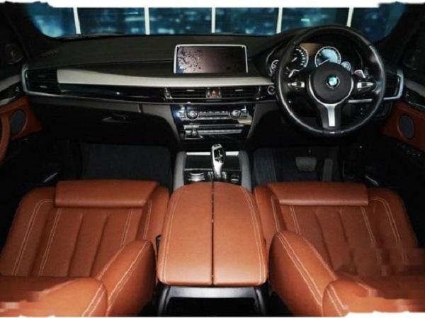ภายในห้องโดยสาร  BMW X5