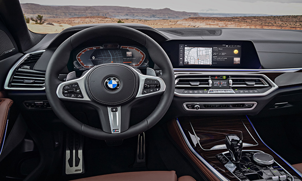 BMW X5 ติดตั้งพวงมาลัยมัลติฟังชั่นหุ้มหนังแบบ M Sport