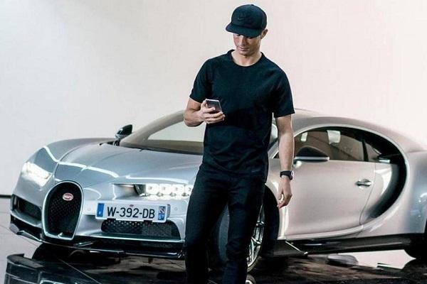คริสเตียโน โรนัลโด กับ Bugatti Veyron