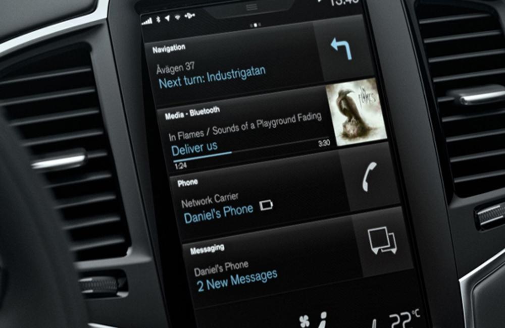 Volvo XC90 T8 Inscription มอบความบันเทิงผ่านระบบอินโฟเทนเมนต์บนหน้าจอระบบสัมผัสขนาด 9 นิ้ว ติดตั้งฟังก์ชั่น Sensus Connect และ สั่งการด้วยเสียง ระบบนำทาง Sensus Navigation รองรับกับการเชื่อมต่อสมาร์ทโฟนทั้ง Apple CarPlay และ Android Auto
