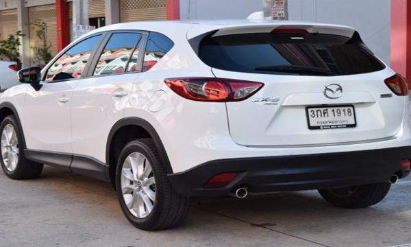 ด้านหลัง Mazda CX-5 2.2 XDL