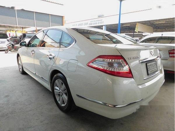 ด้านหลัง Nissan Teana  มือสอง รุ่น 200 XL sedan ปี 2014