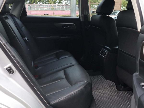 ภายในห้องโดยสารดอนหลัง Nissan Teana  มือสอง รุ่น 2.0 XL  AT ปี 2016