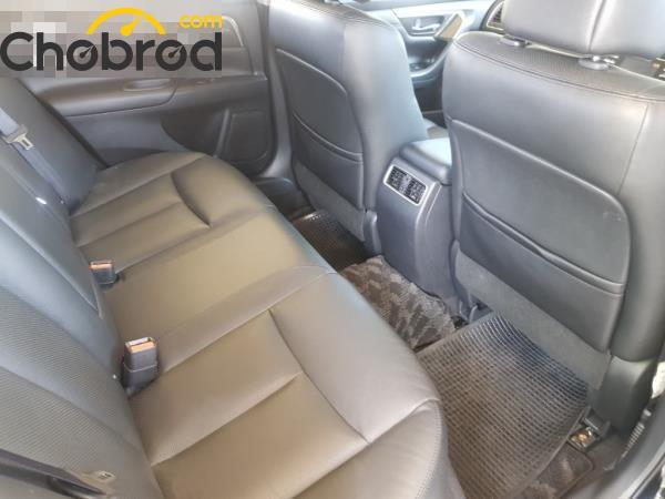 ภายในห้องโดยสารตอนหลัง Nissan Teana  มือสอง รุ่น 200 XL sedan ปี 2017